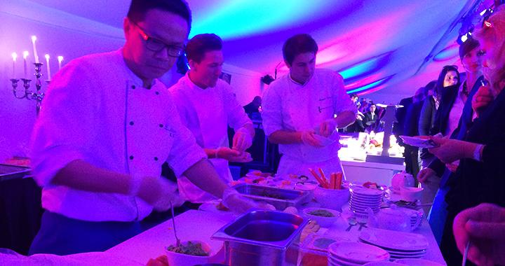 Zubereitet wurden die Thunfisch Sashimi von den Profis an der  Sushi-Bar