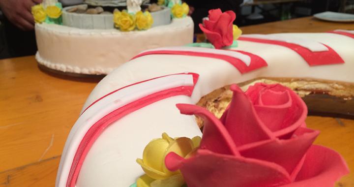 Die Einzelteile der mehrstöckigen CSIO-Torte
