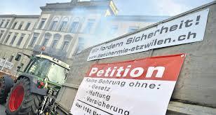 Abgabe Petitionsunterschriften