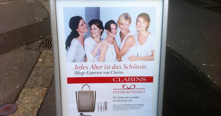 «Sehr Sexistisch finde ich diese Werbung nicht», sagt Anna. «Jedoch könnten auch ältere Frauen auf dem Plakat posieren. Schließlich sagen sies ja so schön: Jedes Alter ist das Schönste.»