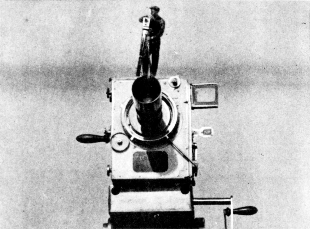 mannmitderkamera01